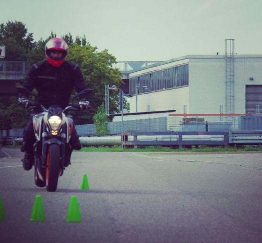 motorradtraining, no fear, hinderniss, ausweichen