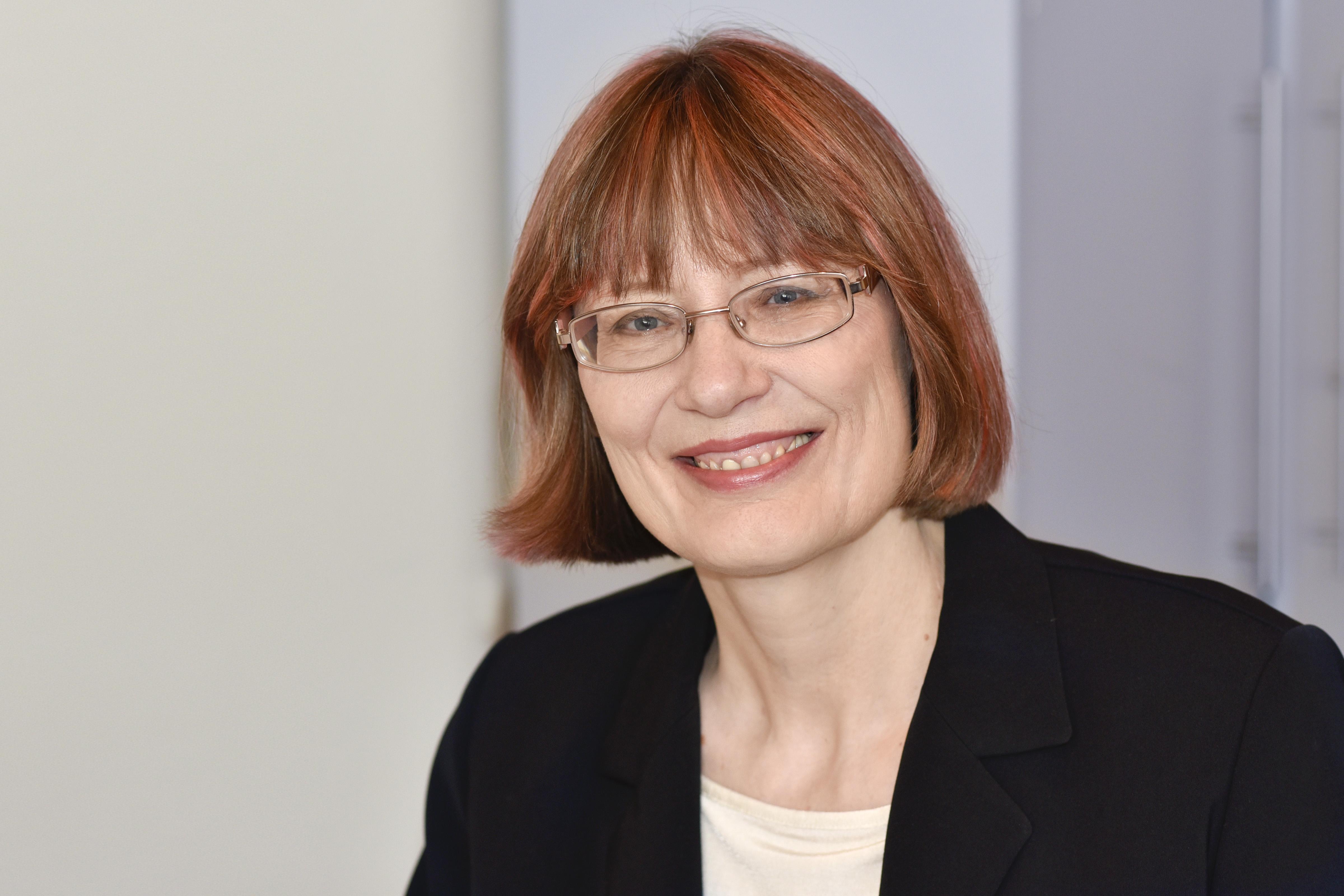Claudia Lonser