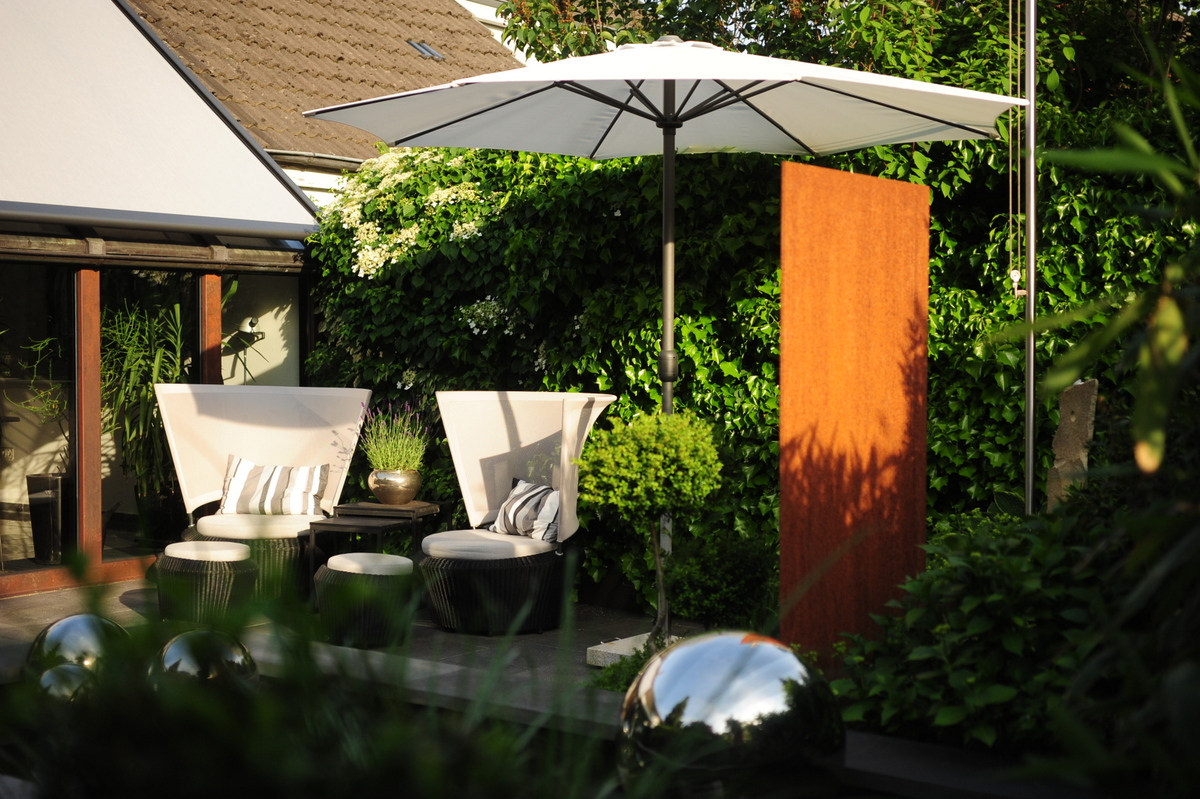 gartenplanung gartengestaltung bernd hestermeyer gartenbau gartenarchitektur in oldenburg. Black Bedroom Furniture Sets. Home Design Ideas