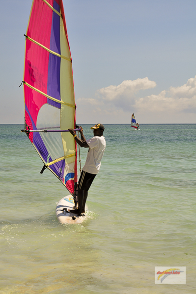 WIND & KITE SURFEN DIANI BEACH