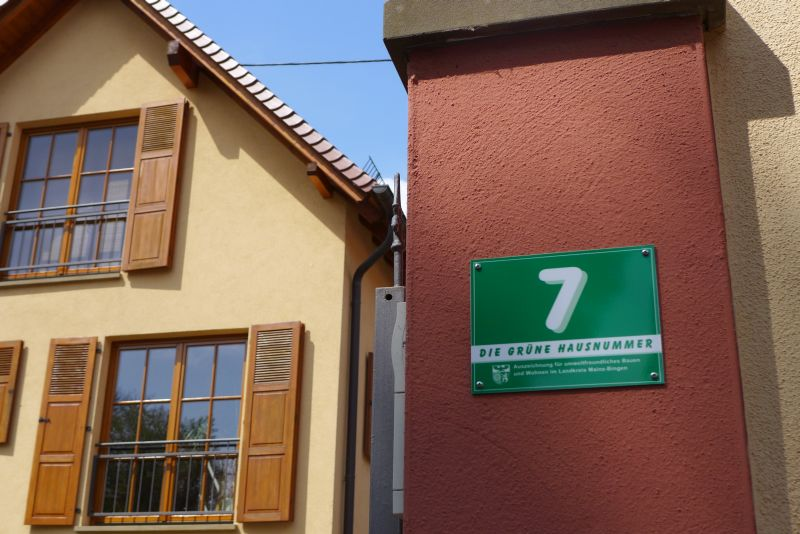 Sommerküche In Marburg : Stilvolle hofreite mit blickgeschütztem garten einfamilienhaus