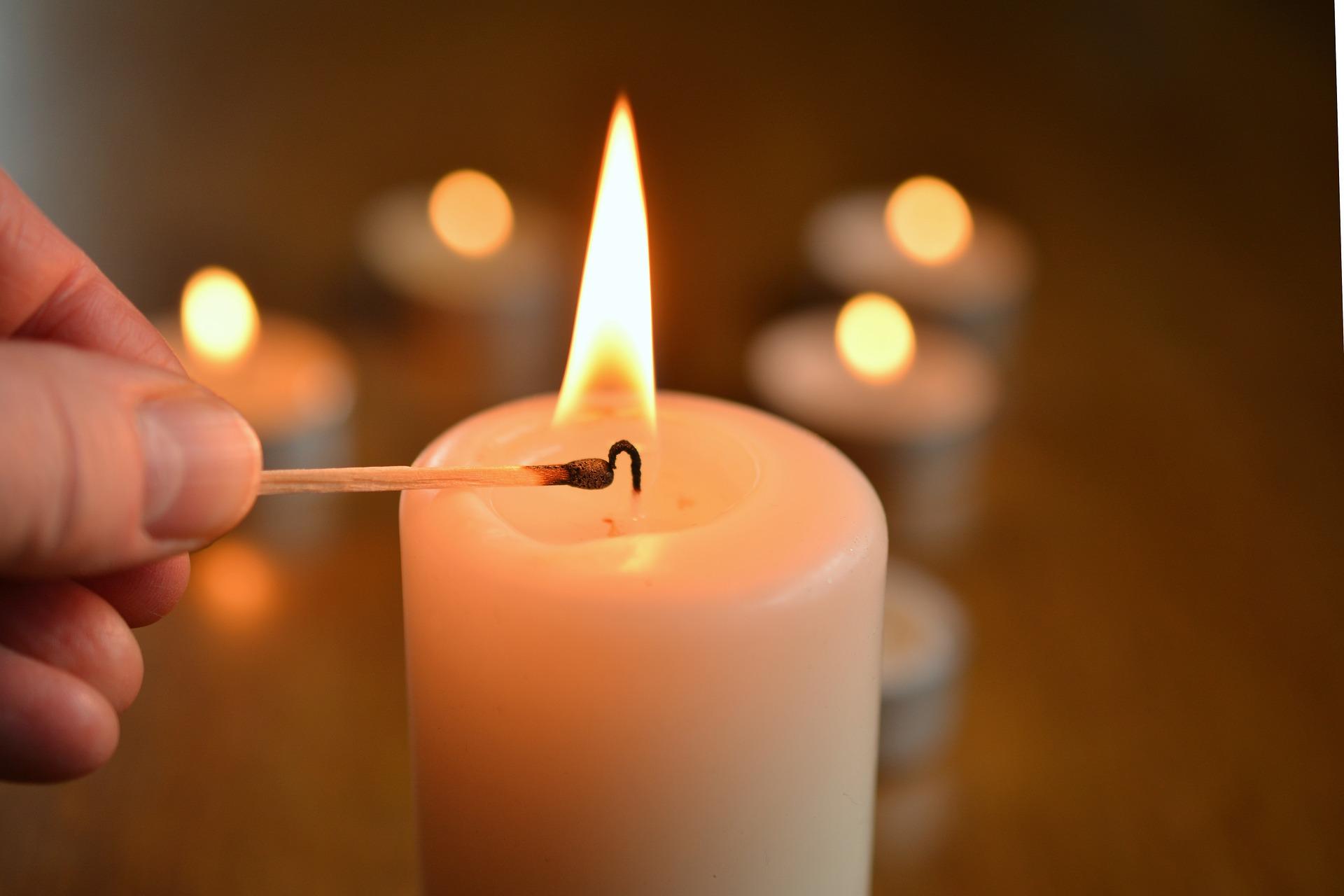 candle-1750640_1920jpg